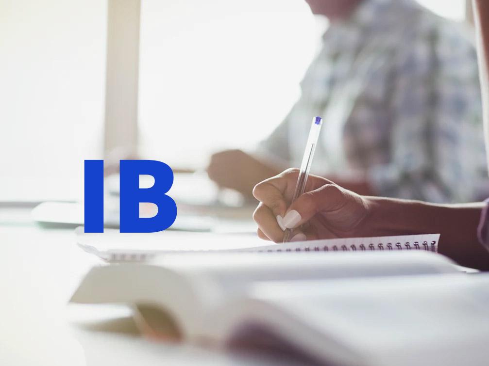 Chương trình IB gồm những môn học nào
