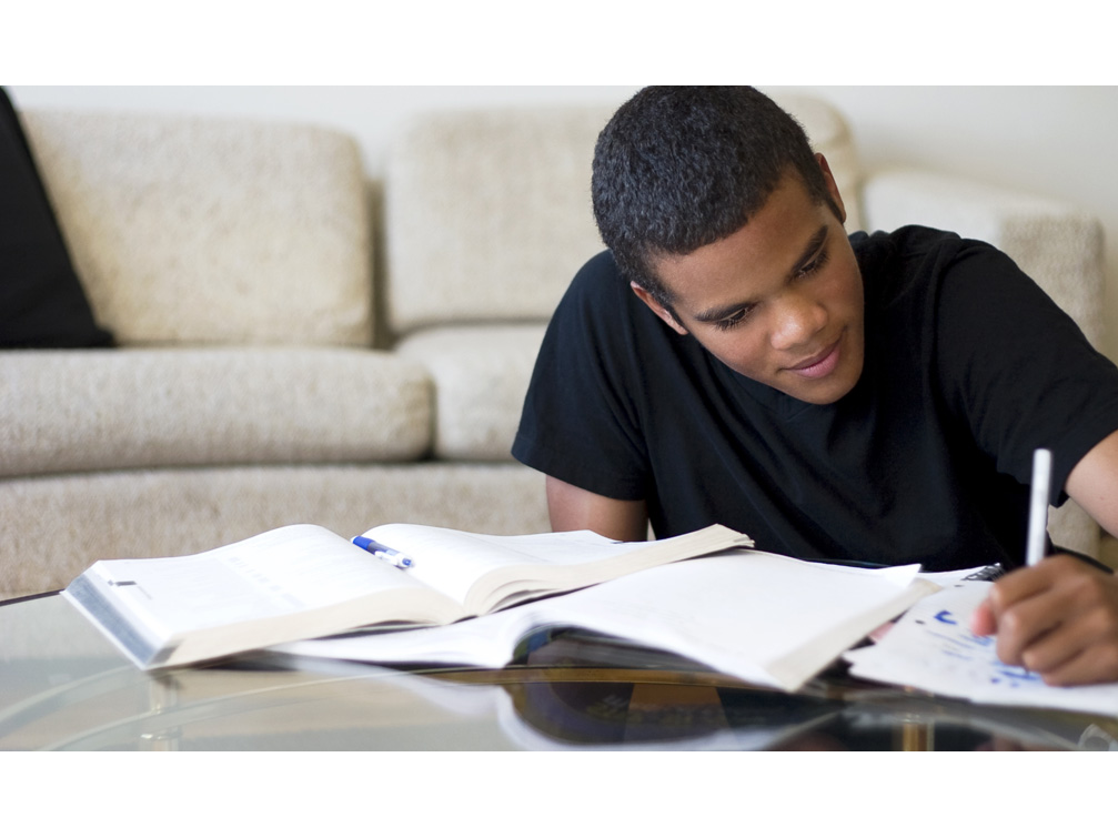 Tại sao học Tú tài Anh A-level lại khó